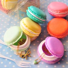 Macaron Mini Kawaii Container Must Have! Cute Jewelry, Jewelry Box, Pandora Jewelry, Jewelry Holder, Body Jewelry, Jewelry Stores, Clay Crafts, Diy And Crafts, Biscuit