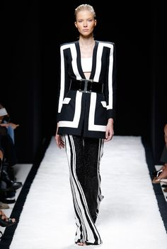 Black + white. Balmain, RTW Spring 2015. Photo: Monica Feudi / Feudi e Guaineri http://www.style.com/slideshows/fashion-shows/spring-2015-ready-to-wear/balmain/collection/13