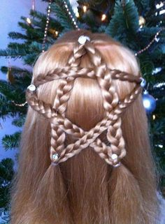 80 Attractive Christmas Hairstyles for the Best Holiday Look - Page 82 of 200 Wacky Hair Days, Crazy Hair Days, Image Mode, Pinterest Hair, Christmas Hairstyles, Toddler Hair, Light Hair, Little Girl Hairstyles, Hair Dos