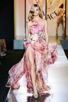 Versace Retrospective - Donatella Versace Looking Back - ELLE
