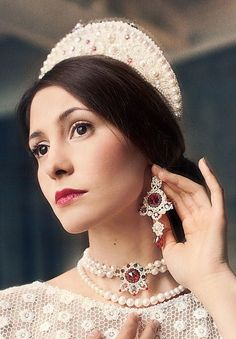 Wedding jewellery and a headpiece in the Russian style. #bride #Russian #weddings