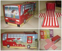 Caixa livro formato ônibus. Criação Clemente Design.
