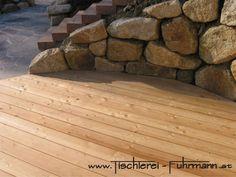 Holz im Garten - sibirische Lärche mit nicht sichtbarer Verlegung Texture, Wood, Carpentry, Surface Finish, Woodwind Instrument, Timber Wood, Wood Planks, Trees, Woodworking