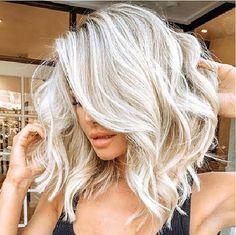 White Blonde Hair, Blonde Hair Looks, Blonde Wig, Short Platinum Blonde Hair, Platinum Blonde Highlights, Icy Blonde, Bleach Blonde Hair, Super Blonde Hair, Curly Blonde