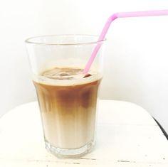 Iced latte want de cafeïnevrije maand is voorbij!