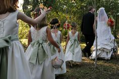 Flower girl recessional.