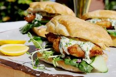 Beer battered fish burgers with garlic herb mayo - Chelsea Winter Fish Burger, Fish Sandwich, Beer Recipes, Fish Recipes, Dinner Recipes, Healthy Eating Recipes, Cooking Recipes, Healthy Meals, Beer Battered Cod