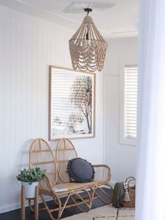 Chic boho coastal home tour is part of diy-home-decor - Get inspired by this ultra chic boho coastal home! Mixing soft textures, earthy tones, modern touches and loads of natural light, this renovated home oozes Coastal Bedrooms, Coastal Living Rooms, Coastal Homes, Living Room Decor, Coastal Interior, Interior Paint, Interior Ideas, Dining Room, Beach House Decor