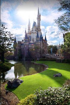 Le château de Cendrillon, au parc Tokyo Disneyland