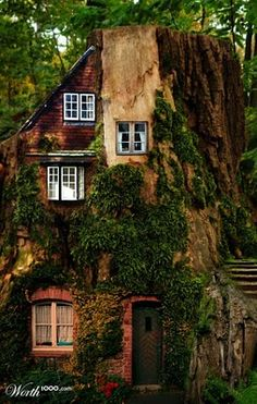 http://1.bp.blogspot.com/_-snzLnJL_24/S6huVFJuu3I/AAAAAAAAD_o/0sIC6Gzo8zE/s400/fairytale+house+by+castiza.jpg