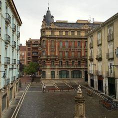 Rincones de #Pamplona... La plaza del Consejo, cargada de historia y vida. #Navarra (Foto @marcogdocarmo en #Instagram)
