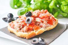 Der #Tomaten-Thunfischaufstrich sollte bei keinem Partybuffet fehlen. Dieses Rezept ist köstlich-einfach.