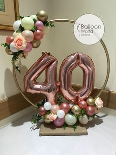 Table centrepiece for a birthday celebration. 40th Birthday Balloons, Birthday Balloon Decorations, 40th Birthday Parties, Birthday Party Decorations, Birthday Celebration, Diy 40th Birthday Ideas, 40th Birthday Centerpieces, 50th Birthday Party For Women, 40th Birthday Invitations