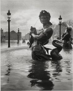 Sans Titre -La fontaine de la Place de la Concorde-. Paris, 1925.