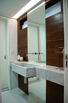 porcelanato-que -imita-madeira-no-banheiro