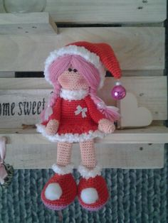 kersteefje eigen patroon. Amigurumi christmas doll. (Picture only, inspiration).