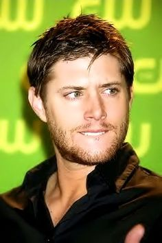 Jensen Ackles.... sweet mother of all things sexy could this man be any hotter?: