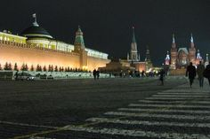 """Explore Moscow with the days in Moscow"""" Travel Guide on Tripadvisor. Stuff To Do, Things To Do, Moscow, Night Life, Statue Of Liberty, Travel Guide, Trip Advisor, Attraction, Palace"""