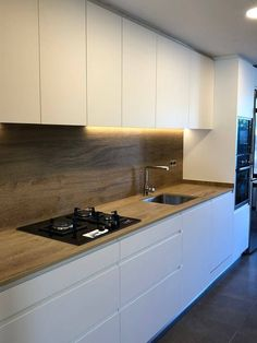 Rental Kitchen, Home Decor Kitchen, Kitchen Interior, Kitchen Sink Design, Modern Kitchen Design, White Kitchen Inspiration, Cuisines Design, Apartment Kitchen, Küchen Design
