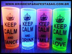 festas neon - Pesquisa Google                                                                                                                                                      Mais Shot Glass, 18th Birthday Party, Neon Party, Ideas Para Fiestas, Mugs, Shot Glasses