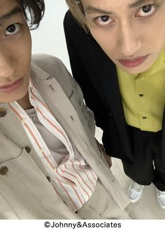 Johnny's Web, Rain Jacket, Windbreaker, Raincoat, Jackets, Fashion, Down Jackets, Moda, Fashion Styles