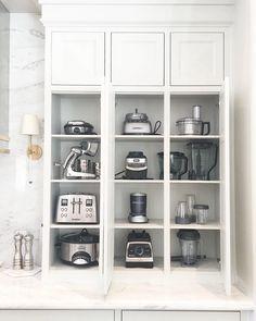 Kitchen Pantry Design, Diy Kitchen Storage, Outdoor Kitchen Design, Home Decor Kitchen, Kitchen Organization, Kitchen Furniture, Kitchen Interior, New Kitchen, Home Kitchens