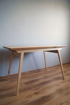 """Biurko,stół """"Just Oak Classic"""" od Pracownia EMBE"""