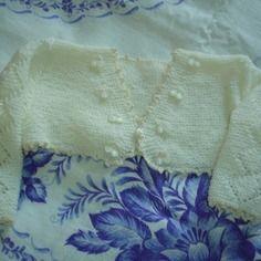 Boléro de baptême ivoire tricoté mains 9/12 mois