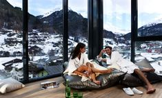 The Bergland Hotel Sölden is exclusively nestled in the picturesque Ötztal. Generous ski slopes are right on the doorstop as are connections to the glacier skiing areas. Design Hotel, Wellness Hotel Tirol, Resorts, Hotel Austria, Tyrol Austria, Ski Slopes, One With Nature, Das Hotel, Winter Sports
