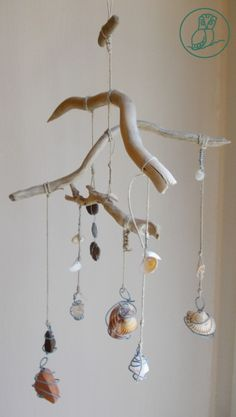 sea mobile 2 DIY Wind Chime Ideas to Try ) Seashell Mobile, Driftwood Mobile, Driftwood Art, Seashell Wind Chimes, Diy Wind Chimes, Seashell Crafts, Beach Crafts, Summer Crafts, Driftwood Projects