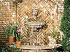 Wall fountain for garden
