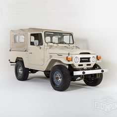 We are going back to Bonhams Amelia! 1977 Toyota Land Cruiser FJ43 ‪#‎fj40‬ ‪#‎fj43‬ ‪#‎4x4‬ ‪#‎fjrestoration‬