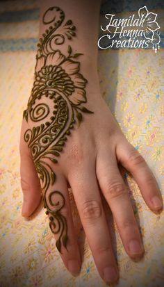bridal shower swirl henna www.JamilahHennaCreations.com