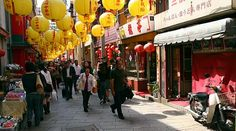 Did you know that the Nagasaki Chinatown, also known as Shinchi Chinatown, is Japan's oldest chinatown?