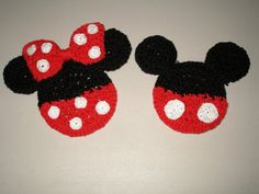 Crochet Mickey and Minnie Mouse Coaster Pattern by craftlodge on Etsy Disney Crochet Patterns, Crochet Applique Patterns Free, Crochet Disney, All Free Crochet, Crochet For Boys, Crochet Mickey Mouse, Crochet Santa, Crochet Gifts, Minnie Mouse