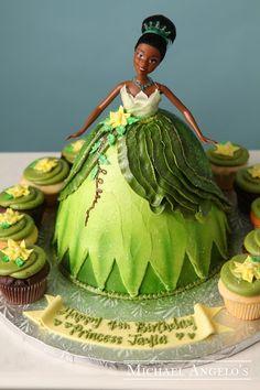 Cake with carrot and ham - Clean Eating Snacks Pillow Cakes, Disney Princess Tiana, Buckwheat Cake, Chocolate Strawberry Cake, Barbie Cake, Disney Cakes, Cake Decorating Tutorials, Buttercream Cake, Savoury Cake