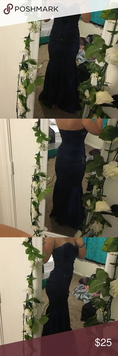 Blue dress Beautiful mermaid type dress. Has sequins on top. I'm 5'5 145 lbs and 36c, the top is a little loose but overall fits great:) it's stretches a littl bit! Jump Dresses Strapless