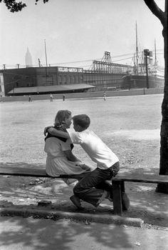 Henri C-Bresson 1947 New Jersey. Hoboken #Cartier #MagnumPhotos #StreetPhotography