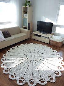 Tapetes de barbante bem grande e circular na sala de estar Crochet Mat, Crochet Carpet, Crochet Doilies, Tapete Doily, Doily Rug, Doily Patterns, Crochet Patterns, Knit Rug, Tapis Design