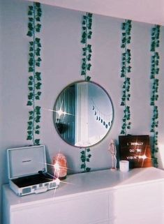Cute Room Ideas, Cute Room Decor, Teen Room Decor, Retro Room, Vintage Room, Bedroom Vintage, Room Ideas Bedroom, Girls Bedroom, Bedroom Decor