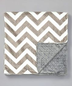 Another great find on #zulily! Lolly Gags 28'' x 32'' Gray & White Zigzag Minky Stroller Blanket by Lolly Gags #zulilyfinds