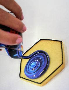 Flour Box Bakery — How to Decorate Galaxy Cookies. I like the look of this marbling technique. No Flour Cookies, Fondant Cookies, Iced Cookies, Cut Out Cookies, Royal Icing Cookies, Fun Cookies, Sugar Cookies, Decorated Cookies, Cake Decorating Tutorials