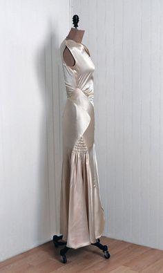 antique 1930s gown   stunning 30s dress design