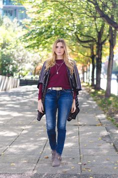 cozy fall layers in a stylish knit cape + jeans