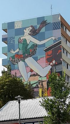 Falling ballerina in 12th district of Paris