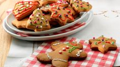 Christmas Ginger Biscuits Recipe on Yummly Homemade Biscuits Recipe, Coconut Biscuits, Homemade Dog Treats, Biscuit Recipe, Fruit Cookies, Nutella Cookies, Butter Crunch Cookies, Mince Recipes, Flour Recipes