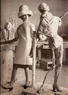 Bazaar April 1962
