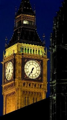 Big Ben at night.. London, England