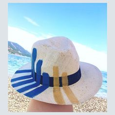 Hand-painted fedora hats for women in summer designs, feminine and above all unique Painted Hats, Hand Painted, Fedora Hat Women, Summer Design, Summer Hats, Hats For Women, Panama Hat, Beachwear, Feminine