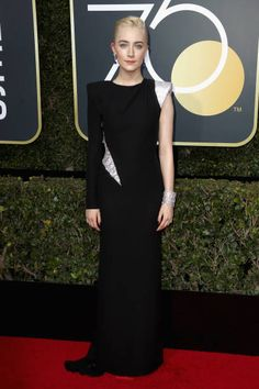 Saoirse Ronan in Atelier Versace attends the 75th Annual Golden Globe Awards in L.A. #bestdressed